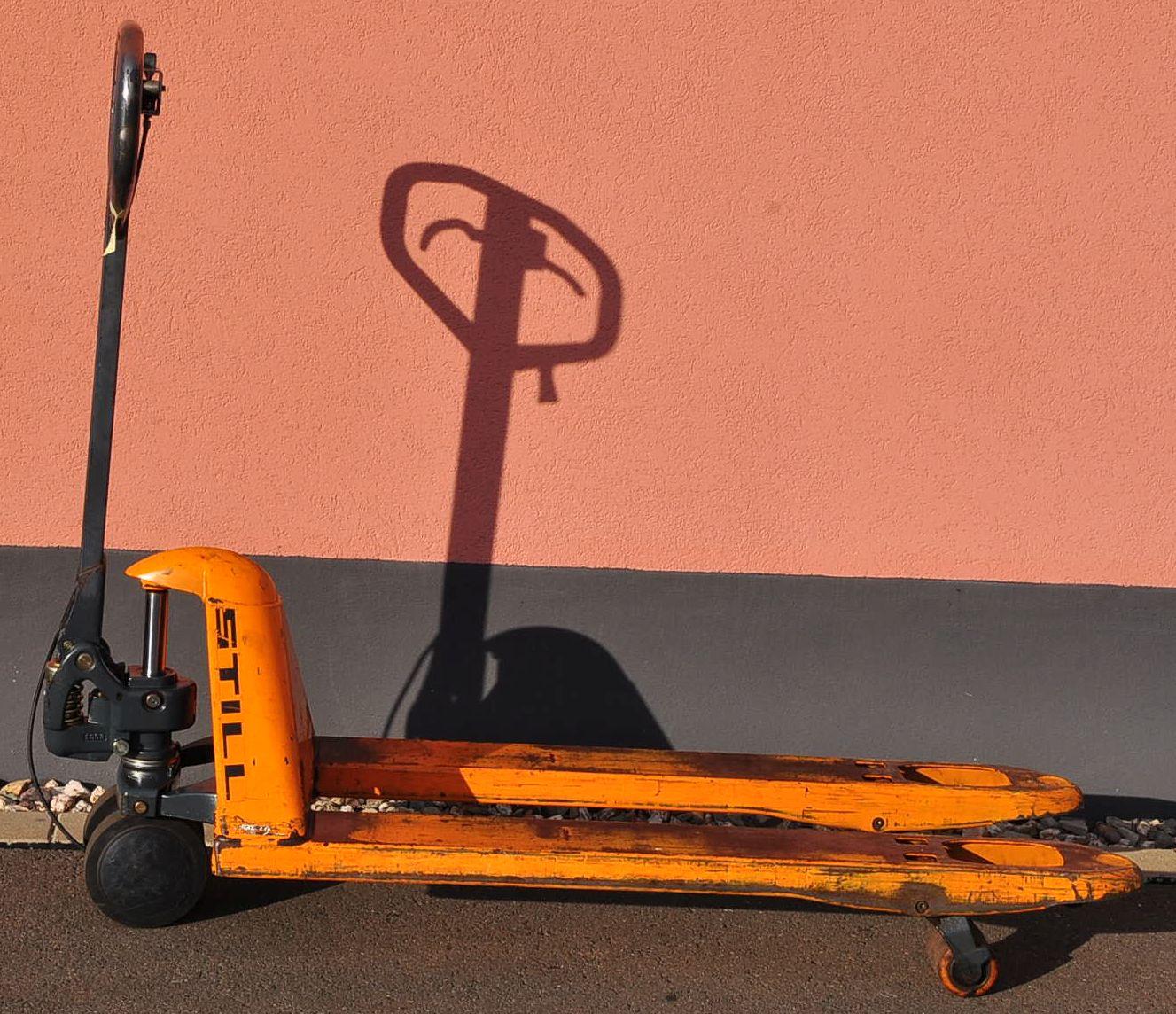 still hp22 handhubwagen 2 2 t mit bremse hubwagen gabelhubwagen palettenwagen ebay. Black Bedroom Furniture Sets. Home Design Ideas